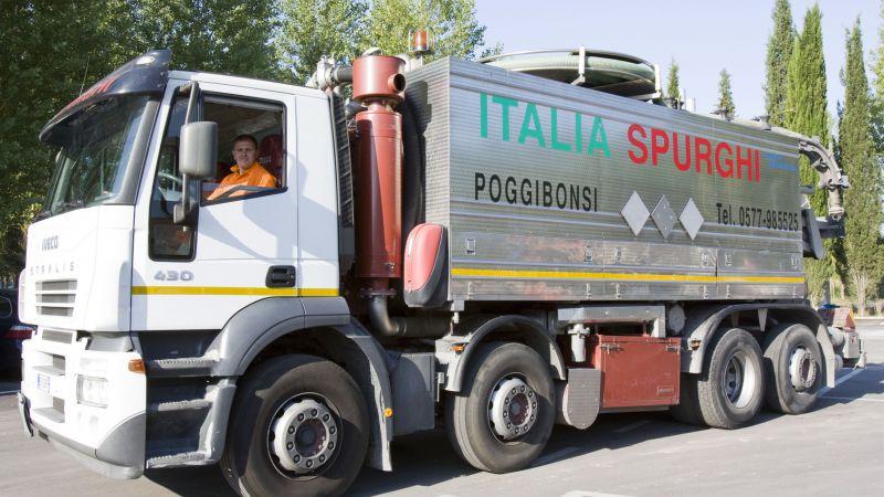 Italia Spurghi utilizza veicoli e macchinari all'avanguardia ed efficienti per ogni tipo di intervento.